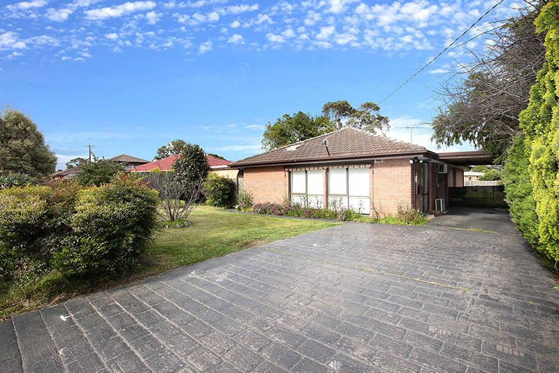 98 Racecourse road, Pakenham
